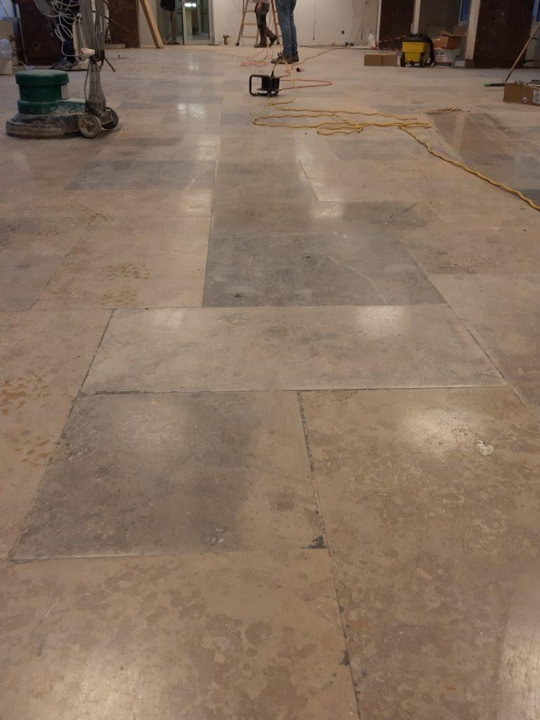 posadzka kamienna przed renowacją Euro Glance