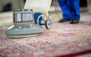 pranie dywanu szorowarką