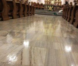 polerowanie posadzki marmurowej w Kościele
